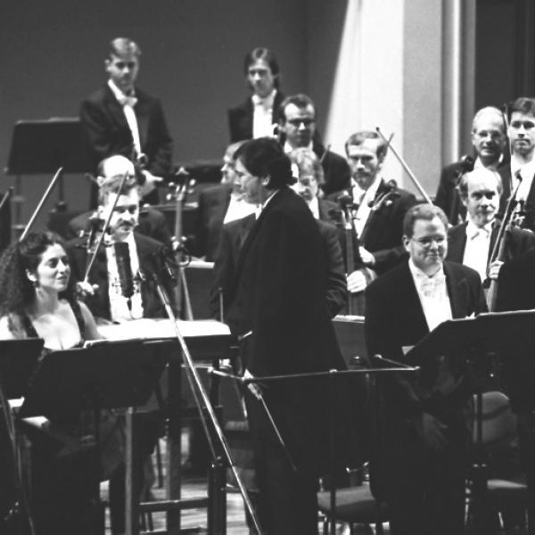Gerard Schwarz, Carol Meyer, Elizabeth Shammash, Richard Clement, Ted Christopher & Members of the Czech Philharmonic Orchestra