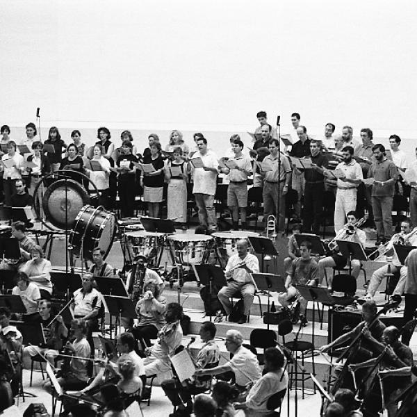 Members of Coral Cármina and the Barcelona Symphony-National Orchestra of Catalonia