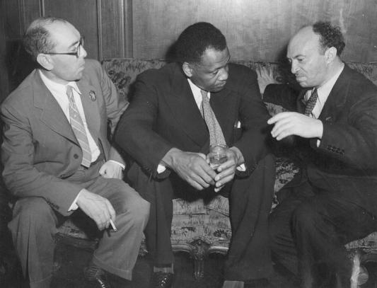 Itzik Fefer (left), Paul Robeson, and Solomon Mikhoels at the Soviet Consulate,